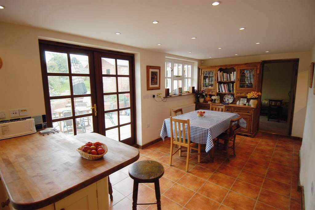 The Old Post Cottage Bed and Breakfast Silverstone kitchen