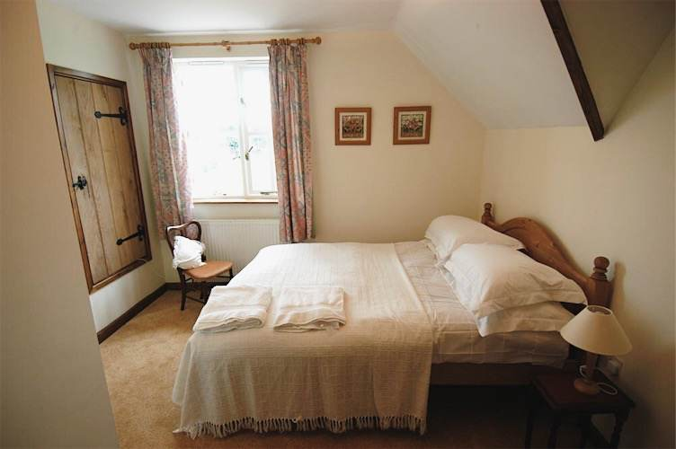 The Old Post Cottage Bed and Breakfast Silverstone twin double room